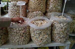 بازار کشک گرد کشک سکه ای با طعمی محلی
